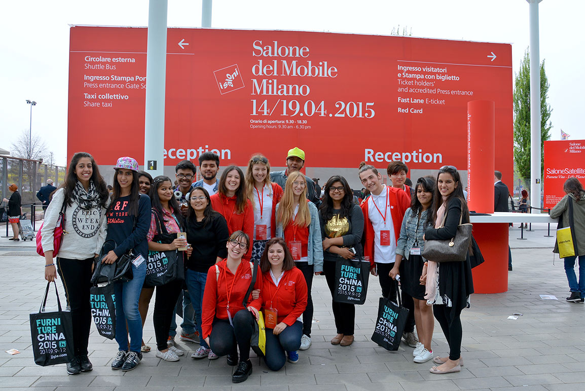 Student group at Salone